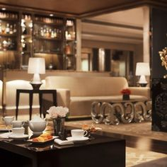 The Palladium hotel has an array of luxurious restaurants & cocktails bars in the heart of Mumbai city at Lower Parel, which are serves the best Asian cuisine, European cuisine and Japanese cuisine with private fine dining rooms in Mumbai.