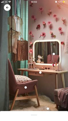 Dusky Pink Bedroom, Pink Room, Desk Organizer Set, Desk Organization, Cute Room Decor, Room Decor Bedroom, Pink Desk, Gold Rooms, Teen Girl Rooms