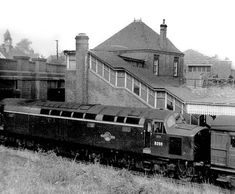 Disused Stations: Hucknall Central Station, EE Type 4 with down service. Live Steam Locomotive, Diesel Locomotive, Old Train Station, Train Posters, Disused Stations, Steam Railway, British Rail, Train Tickets, Central Station
