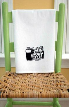 Retro Camera. Tea Towel.
