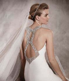 ANOETA - Mermaid wedding dress in lace with crew neckline and floral gemstone embroidery appliqué | Pronovias