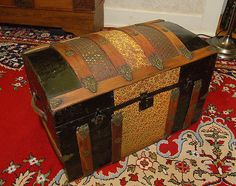 1800's Antique Victorian Dome Top Hump-back Tin Embossed Steamer Trunk Free Ship