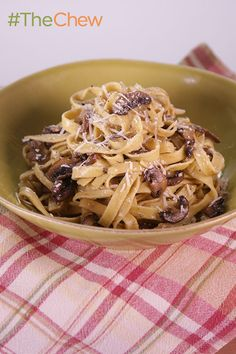 Try this Mushroom Fettuccini Alfredo by Clinton Kelly! Ingredients: 1 pound cremini mushrooms (sliced), 8 tablespoons unsalted butter, 1 teaspoon chopped rosemary, 1 pound fresh fettuccini, 1 cup pasta water, 1/2 cup freshly grated Parmigiano-Reggiano, olive oil and salt and pepper. Full recipe here: