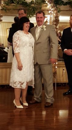 Vestidos de novia cortos para bodas de oro