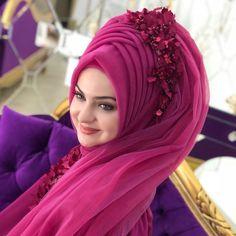 ☀️ 🌟 🎭 ❤️ 🌴 🙂 💦 easydinner chocolate tips potatoes chicken tattoo christmas winter baby beautytips hairstyles food iphone Hijab Bride, Makeup Hijab, Thanksgiving Makeup Looks, Hijabi Wedding, Hijab Dp, Muslim Beauty, Piercings, Arab Fashion, Man Fashion