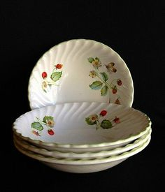 James Kent Old Foley Cereal /Dessert Bowls (4) STRAWBERRY England