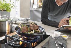 Czujecie ten zniewalający aromat? Mięso grilowane na żeliwnej patelnie Staub nie ma sobie równych.  #staub #castiron #enameled #cast #iron #cookware #pan #grillpan #grill #kitchen #cooking