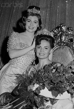Miss America 1964, Donna Axum crowning Miss America 1965, Vonda Van Dyke