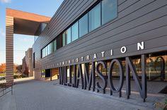 rheinzink escuela con fachada ventilada de zinc