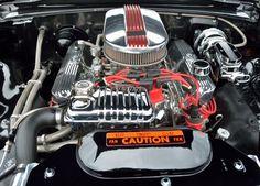 Jak działa i jak jest zbudowany silnik samochodu?