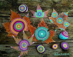 #YuliaArtDots #paintedleafs #natureart #mandala #dots #dotart #dotartpainting #turquoise #trees #art #myart #dotart #dotartw