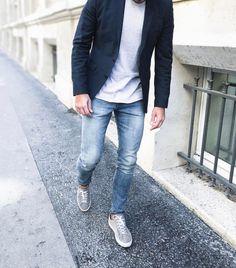 #paris #ootd #ootdmen #outfitoftheday #outfit #fashion #menstyle #menswear #mensfashion #menfashion #sneakers #sneakerhead #light #street #allsaints #jackandjones #axelarigato #look #streetstyle #stylemen #style #fashionista #men #mensstyle #mensfashionpost #simplefits #instafashion #mode #moda #denim