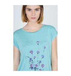 Camiseta azul con print floral. Sólo en SENDA. #camisetas #complementos #summer16  sendashop.es