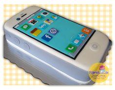 Pastel iPhone 4s: Pastel de chocolate con relleno de moka y cubierto de fondant de almendra