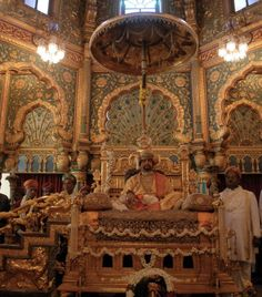 The Golden Throne All Set for Display in Mysore for Dasara - Hotels In South Indian Architecture, Amazing Architecture, Mysore Dasara, Indian Prince, Mysore Painting, Mysore Palace, Asia, Indian Heritage, Photo Caption