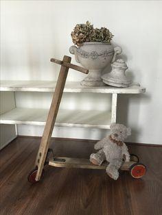 Oud houten konderstepje