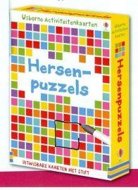 Dit doosje zit vol puzzels en spelletjes die je hersenen op de proef stellen. Gebruik de pen om de antwoorden op te schrijven op de uitwisbare kaarten.  Leeftijd: 9+