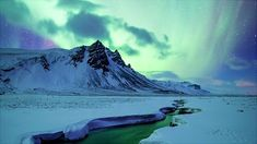 Spectacular and Mesmerizing Aurora Borealis Over Two Lands- Greenland And Iceland homesthetics (4)