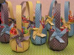 Stampin Up! Easter Baskets - 2013 Stampin Up! Easter Projects, Easter Crafts For Kids, Craft Projects, Kids Diy, Spring Crafts, Holiday Crafts, Paper Basket, Easter Baskets, Stampin Up