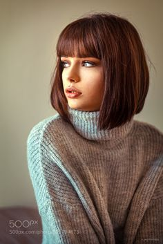 Hair is an important material primarily composed of protein, notably keratin. Hair care is your hair type. Your hair goals. Your favorite hair color Here you find all the possible methods to have perfect hair. Short Hair With Bangs, Hairstyles With Bangs, Short Hair Cuts, Full Bangs, Medium Hair Styles, Curly Hair Styles, Short Styles, Shot Hair Styles, Short Bob Haircuts