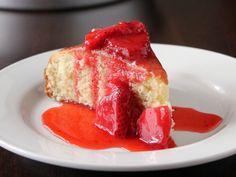 Gojee - Buttermilk Skillet Cake with Strawberries by Kitchen Trial & Error