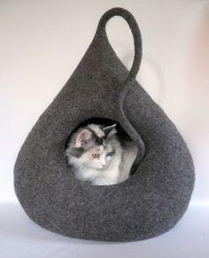 Blog - Katze und Filzkunst Monika Pioch Design Katzenhöhlen / Katzenbetten / Hundebetten handgefilzt