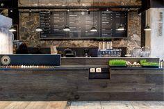 Resultado de imagen de incorporated food display in bar design Smoothie Bar, Café Design, Deco Design, Decoration Restaurant, Restaurant Bar, Modern Restaurant, Diy Interior, Cafe Interior, Interior Design