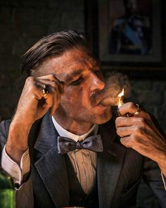 Everything about Peaky Blinders Haircuts are in this article. Thomas Shelby haircut, Arthur Shelby haircut, how to get them and more. Gangsters, Thomas Shelby Haircut, Peaky Blinder Haircut, Peaky Blinders Wallpaper, Men With Street Style, Billionaire Boys Club, Grand Tour, Michel, Luxury Lifestyle