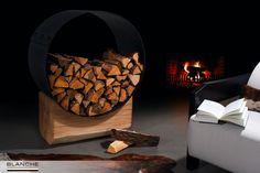 Если в Вашем доме есть камин, то даже не думайте о том, чтобы прятать дрова для него в кладовой, ведь дрова - это модный и натуральный декор. А стильное оформление зоны хранения дров в Вашем интерьере обеспечит дровница от TM BLANCHE. Благодаря специальной обработке металла и деревянного бруса дровница выглядит немного брутально, за счет чего сможет еще больше подчеркнуть интерьеры в стиле лофт либо индастриал.