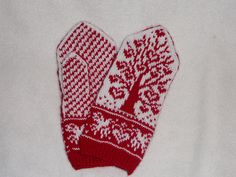 Ravelry: Tree of Love pattern by Natalia Moreva Knit Mittens, Mitten Gloves, Knitted Hats, Knitting Projects, Knitting Patterns, Garter Stitch, Nordic Style, Ravelry, Handmade