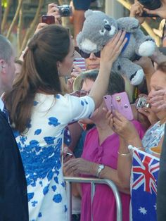 Kate Middleton was inundated with new toys for Prince George during the royal visit to Brisbane - hellomagazine.com