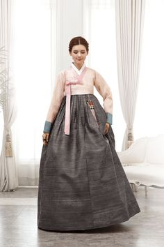 Korean Traditional Clothes, Traditional Fashion, Traditional Dresses, Korean Hanbok, Korean Dress, Korean Outfits, Oriental Dress, Culture Clothing, Lolita Dress