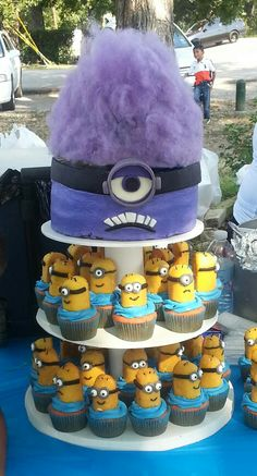 Evil Minion and Cupcakes