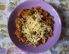 Paradicsomos durum orsótészta friss spenóttal és növényi sajttal