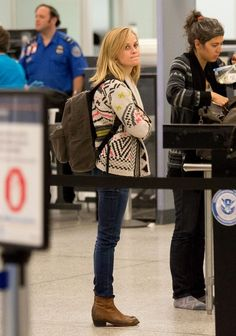 Reese Witherspoon - Reese Witherspoon Leaves LA