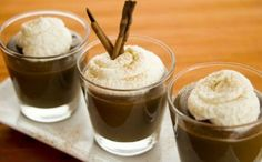 It's a Mexican Coffee Pudding with Kahlua Whipped Cream but still, a coffee. Chocolate Ganache, Chocolate Desserts, Fun Desserts, Delicious Desserts, Dessert Recipes, Yummy Food, Chocolate Pudding, Gingerbread Trifle, Cassia Cinnamon