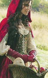 Extra - Meghan Ory