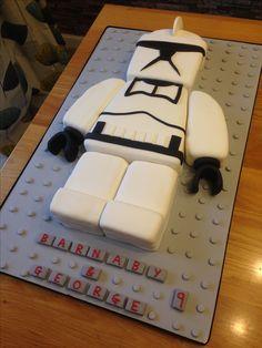 Clone trooper Star Wars cake