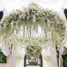 Suspended florals perfect for wisteria Elegant Wedding, Floral Wedding, Wedding Flowers, Dream Wedding, Wedding Cake, Wedding Venues, Wedding Goals, Luxury Wedding, Wedding Stuff