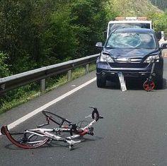 Graba en directo el atropello de un ciclista y como se da a la fuga