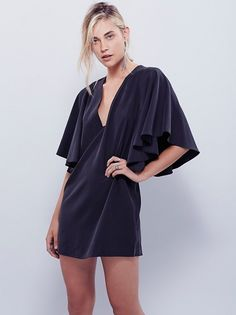 20 No-Fuss Holiday Dresses Lazy Girls Will Love via Brit + Co