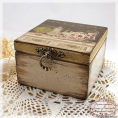 Discover thousands of images about Vintage romantic decoupage Decoupage Wood, Decoupage Vintage, Painted Boxes, Wooden Boxes, Cigar Box Art, Altered Cigar Boxes, Creative Box, Tea Box, Idee Diy