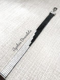 White and Black Miyuki Bracelet / Beaded Bracelet / Minimalist Style / Miyuki Bead Bracelet / Miyuki Delica - Manchette (bracelet) Beaded Jewelry Patterns, Bracelet Patterns, Miyuki Beads, Handmade Beads, Handmade Jewelry, Diy Jewelry, Bead Loom Bracelets, Minimalist Necklace, Bracelet Tutorial