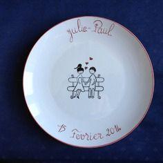 Un cadeau de fiançaille ou de mariage : l'assiette murale décorée