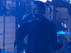 """Canal Electro Rock News: Depeche Mode apresenta """"Cover Me"""" em programa de TV"""