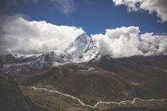 📌 Check out this free photoClear Blue Sky    👉 https://avopix.com/photo/35859-clear-blue-sky    #mountain #range #landscape #natural elevation #mountains #avopix #free #photos #public #domain