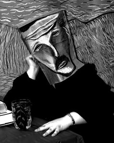 Students made Art History paper bag masks and backgrounds- then photographed. This would be so fun for an art party of fellow artistes! High School Art, Middle School Art, Fantasy Character, Bulletins, Found Object Art, School Art Projects, Arts Ed, Gcse Art, Ap Art