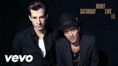 Mark Ronson - Uptown Funk (Live on SNL) ft. Bruno Mars