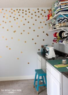 DIY Gold Polka-Dot Wall...maybe another color for G's big girl room?