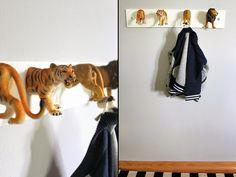 Christin vom Blog Pfefferminzgrün hat vor Kurzem das Zimmer von ihrem kleinen Joshua umgestaltet und dabei fiel ihr auf, dass eine Garderobe fehlte, also hat sie sich da kurzerhand was überlegt: Eine Garderobe aus Tieren!